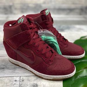 Nike Womans dunk sky Hi sneakers shoes